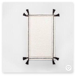 Hearth and Hand Textured Bath Rug 🛁